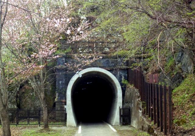 旧函館本線神居古潭トンネル群 | 土木学会 選奨土木遺産